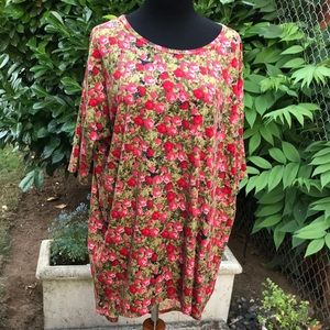 Pink and red roses Tunic